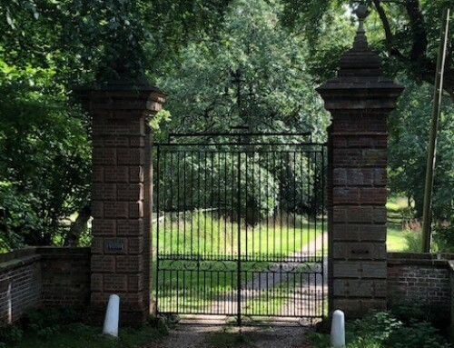 Restoration of Rainthorpe Hall listed main gates